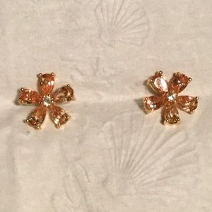 NWOT Padparadscha sapphires in shape of flower